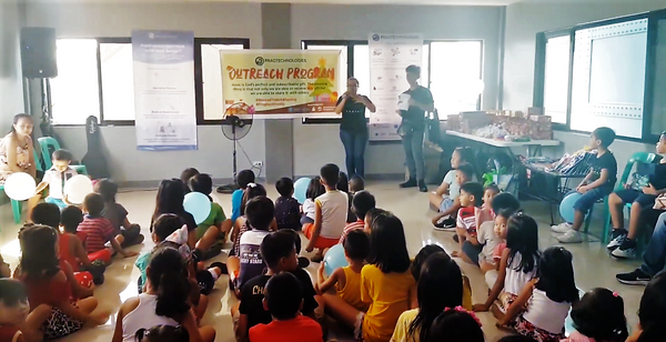 Pragtech Shares the Spirit of Christmas to Kids at Meteor Homes